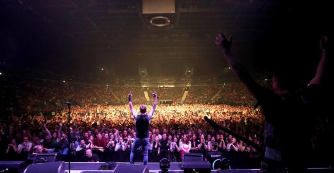StrayTrain-Nickelback-StPetersburg